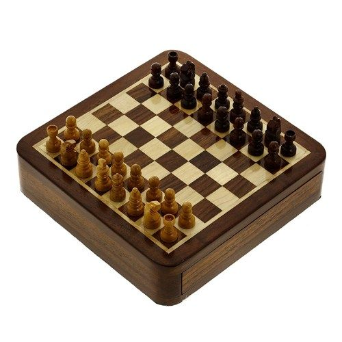 Magnetic chess set and boardSize: 5 X 5 InchesWeight: 375 GramsDrawer compartment to hold chess piecesArtisan crafted in IndiaThis item can be shipped Worldwide.
