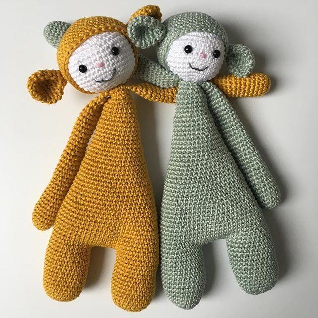 F R I E N D S Zo trots op mijn moeder die zelf deze prachtige vriendjes heeft bedacht en gemaakt!!! #knuffel #gehaakt #kinderkamer #babykamer #babyuitzet #crochet #kraamcadeau
