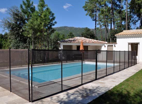 Acheter une barrière de piscine démontable Beethoven pour assurer la protection des enfants est un bon compromis entre éfficacité et prix.