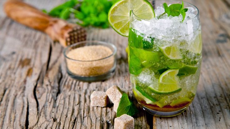 Lemongrass and Thai Basil Mojito  - Cocktail ideas for your next hen party >>>