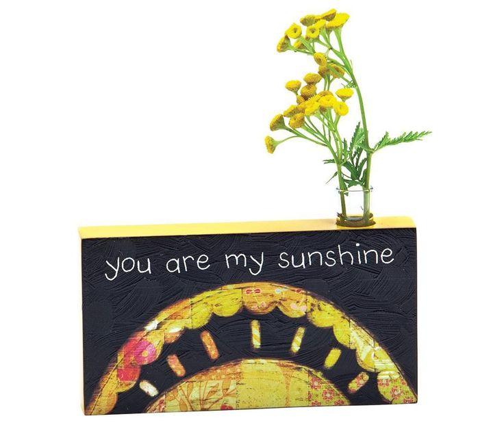 Vaza You Are My Sunshine .      Dimensiuni: lungime 16 cm/inaltime 10 cm     Greutate: 0.3 Kg     Material: MDF pictat, sticla