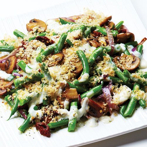 Would you believe this Summery Green Bean Casserole is just 166 calories per serving?! Clean Eating.