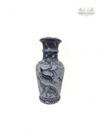 Showcase your creative side with this Grey color Black Stone vase. This beautiful vase has trendy feel and a strong structure making it perfect to display a flower arrangement. This vase is trendy in look  and will certainly speak volumes about your amazing choice in home accessories.