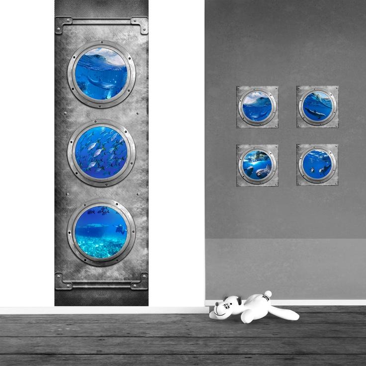 Uniek en stoer idee voor de kinderkamer: Bekijk vanuit je duikboot onderwaterkamer de dolfijnen, vissen en...zelfs een oud scheepswrak.  De muurstickers en muurstickerpanelen van kleefenzo.nl zijn unieke ontwerpen en worden geproduceerd op zelfklevend textiel.   Deze nieuwe generatie muurstickers en muurdecoratie voor kinderkamers zijn een sensatie!