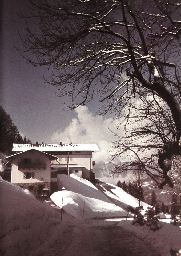 Der Berghof auf dem Obersalzberg bei Berchtesgaden, das ehem. Haus Wachenfeld. 1942c