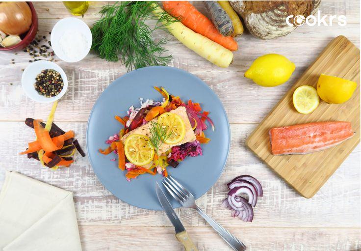 Le filet de truite en papillote et ses carottes couleurs ! Pour la recette complète ⏩ http://blog.cookrs.fr/index.php/2017/03/24/recette-filet-de-truite-en-papillote-et-ses-tagliatelles-de-carottes/  Cookrs.fr c'est toujours de bons produits : fruits & légumes bio, viandes & poissons 100% origine France, des plats à cuisiner en 30 minutes, et le sourire !!! ⏩  www.cookrs.fr