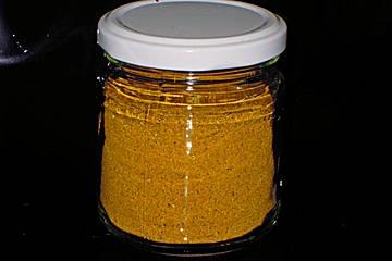 2 ELKoriander, gemahlen 2 ELKreuzkümmel (Cumin) 2 ELKurkuma 1 ELIngwerpulver 1 TLSenfsamen, gelbe 1 TLBockshornklee 1/2 TLZimt 1/2 TLNelke(n) 1 TLKardamom, (grün) 1 TLChilipulver, scharfes 1 1/2 TLPfeffer, schwarzer 20 Curryblätter