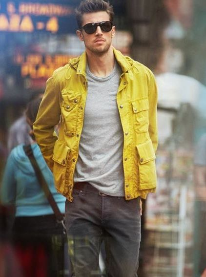 The yellow jacket really livens up this otherwise boring earth-tone outfit. It also helps that the guy rocking it looks like he's fucked an insurmountable amount of bitches