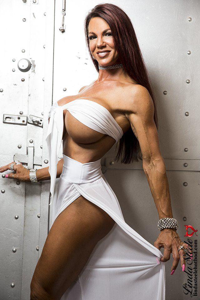 Pin By Timmoty Black On Linda Steele Fitness Models Bikini Models Fitness Model