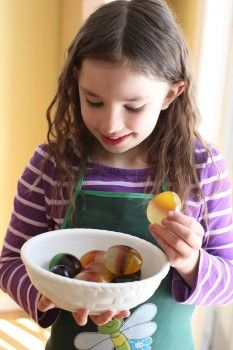 cooking with kids - jellied Easter eggs