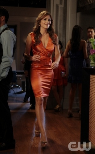 """'I Am Number Nine"" GOSSIP GIRL Pictured Elizabeth Hurley as Diana Payne PHOTO CREDIT: GIOVANNI RUFINO/©2011 The CW Network, LLC. All Rights Reserved"