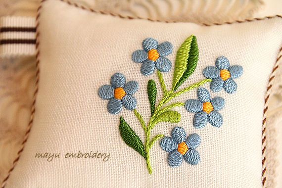 Hungary Embroidery : Forget-me-not Pincushion - Mayu Embroidery