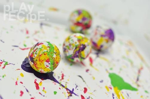Colored ping-pong balls | pLAy rECipE