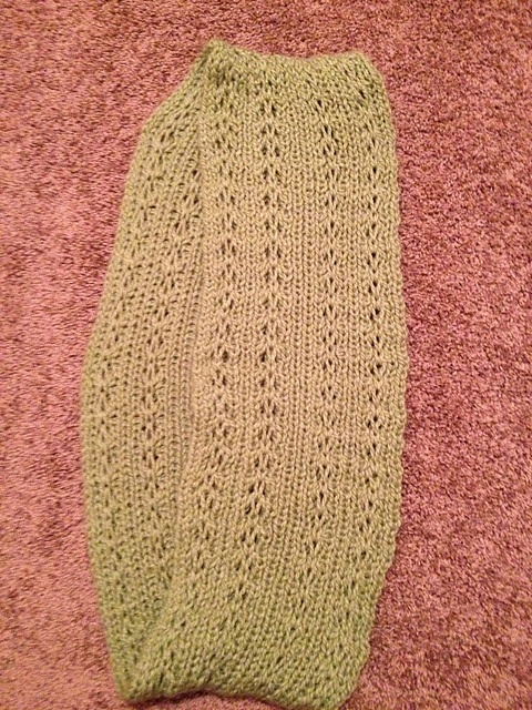 Loom Knit Infinity Scarf Pattern : 122 best images about knitting on a loom on Pinterest Knitting looms, Lion ...