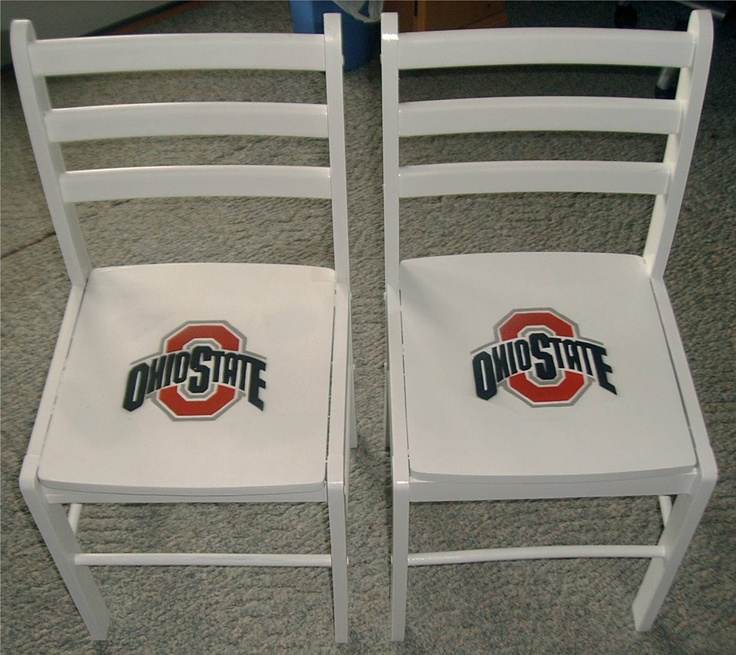 Chair for raidens room except georgia georgia bulldogs for Georgia bulldog bedroom ideas