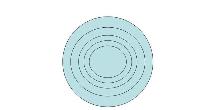 Cómo hacer círculos concéntricos en Powerpoint. PowerPoint es una herramienta útil para crear presentaciones y diapositivas. Al igual que la mayoría de los programas de Microsoft Office, ofrece herramientas y características que te permitirán insertar gráficos y crear las figuras necesarias. Una de esas figuras son los círculos concéntricos, los cuales tienen el mismo punto central.