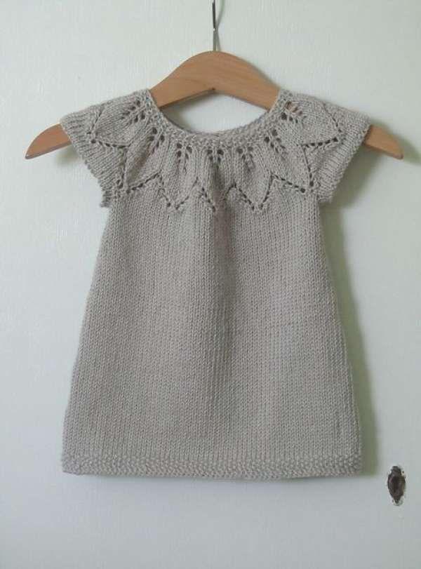 gri örgü bebek elbise modeli