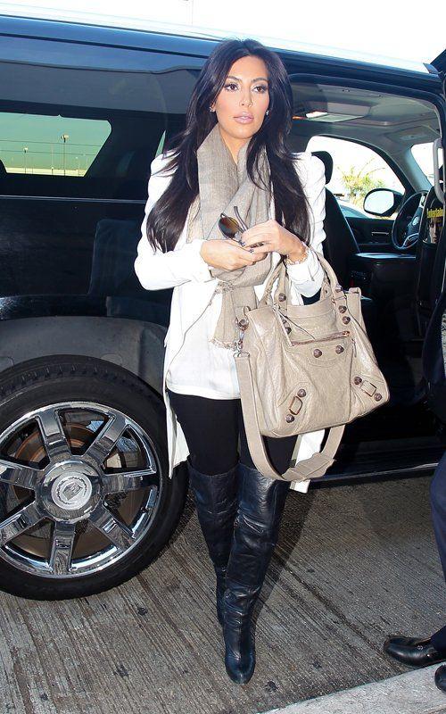 OK, agreed, Kim Kardashian is a human trash bag, but I have always really liked her daytime make up.
