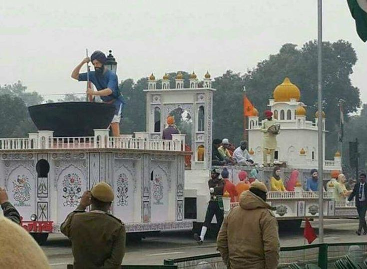 #JustinPics  A float depicting Sikh tradition of ' #Langar sewa' (community kitchen) will be a part of the upcoming Republic Day Parade.  The theme of Langar speaks about the values of Sikhism and how it has been feeding the homeless for ages!