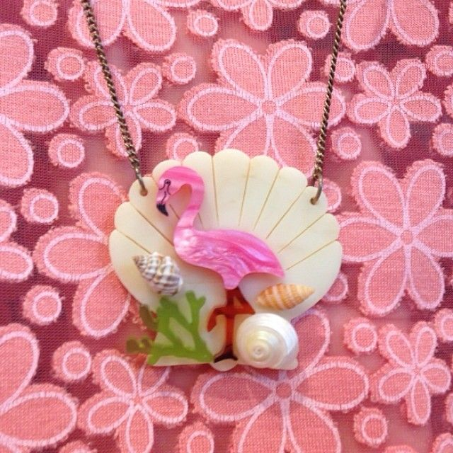 tattydevine: Say hello to our new feathered friends! Inspired by 1950s Americana, we've created marbled pink Perspex Flamingos - oh, and they're teamed with real miniature shells, too…