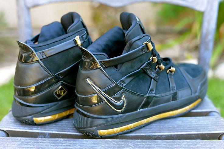 "Nike Zoom LeBron IV ""Birthday Exclusive"" Size Deadstock"