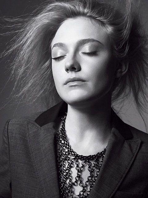 DAKOTA FANNING MARIE CLAIRE PHOTOS | Dakota Fanning in August 2010′s Marie Claire magazine 6