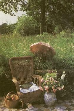 loveOutdoor Oasis, Romantic Sets, Wild Gardens, Outdoor Patios, Reading Chairs, Quiet Places, Patios Ideas, Good Book, Wicker Chairs