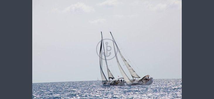 Vacanze in barca a vela, da Salerno con  Sun Odyssey 439. Itinerario: Salerno, Palinuro.  3 Cabine, 2 Bagni, 6 Posti letto, Portata massima 10 persone. Prezzo: 250.00 € a persona!