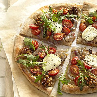 Arugula and Goat Cheese Pizza ( Under 400 Calories ): Goats Cheese Pizza, Low Cholesterol Recipes, Yummy Recipes, Goats Chee Pizza, Pizza Recipes, Health Recipes, Healthy Food, Healthy Recipes, Lowcholesterol Recipes