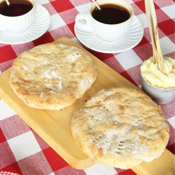 Nybakat, varma scones är bland det godaste som finns till frukost!