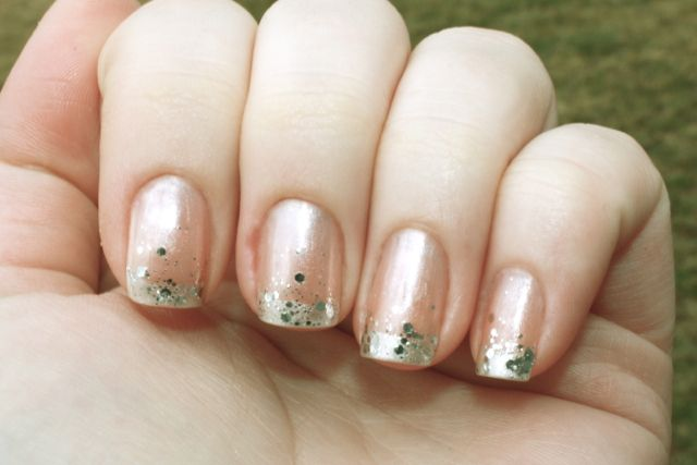 Glitter French Manicure | ... have for you a very complicated silver glitter french manicure