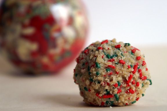 holiday cake truffles (the momofuku birthday cake, in a ball, for the holidays)