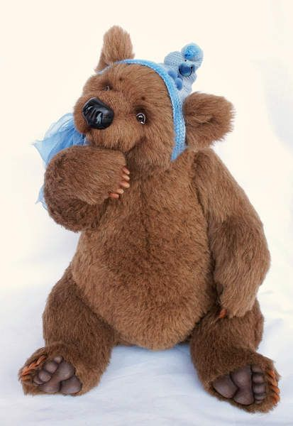Bjorn By Svetlana Chern - Bjorn (OOAK teddy bear). Size - 54cm (42 cm - sitting) Materials: alpaca, hollofiber, mineral pellets for weight addition, discs and T-pins (five classical fastenings),realistic acrylic eyes, nose and claws - polymeric clay, growler. Bjorn is hand painted with art oil paints. Bear ...
