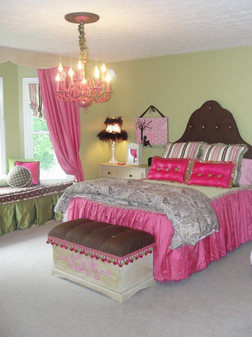 love this room 39 not so shabby 39 chic tween dreamland girls 39 room designs decorating ideas. Black Bedroom Furniture Sets. Home Design Ideas