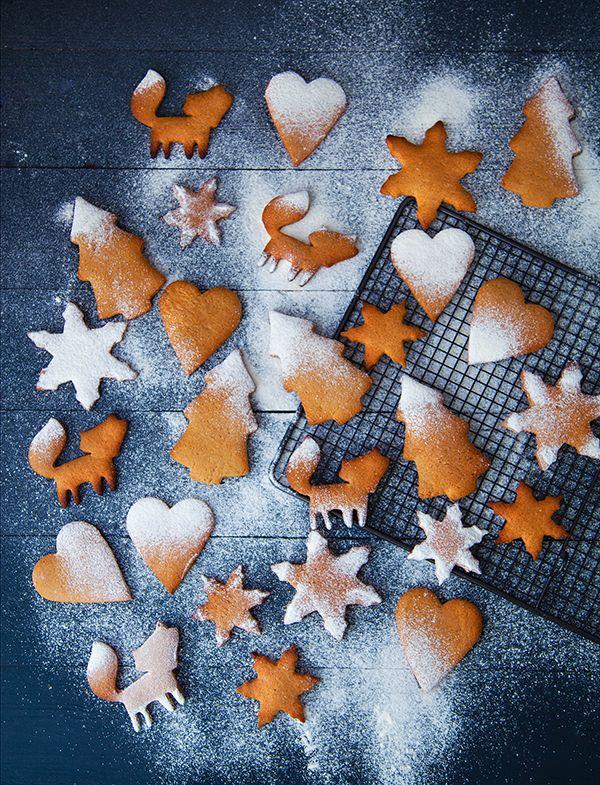 Biscuits suédois vegan : sucre, margarine, cannelle, gingembre, clou de girofle, cardamome, bicarbonate de soude, farine