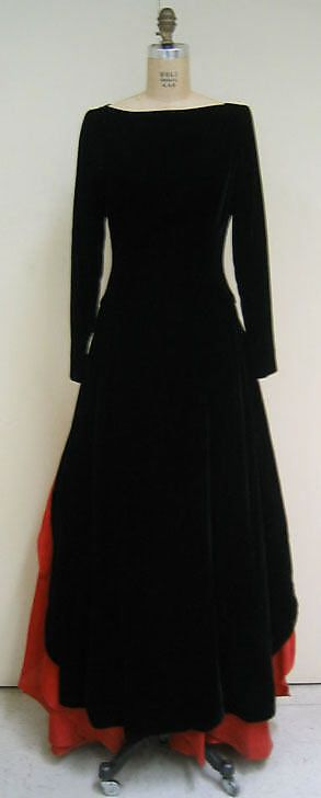 Evening dress- Designer: Carolina Herrera- Date: fall/winter 1995–96 Culture: American Medium: silk, linen