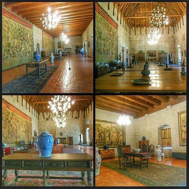 Interior del Palacio de los Duques de Braganza en #Guimaraes (#Portugal) http://bit.ly/26JxYex