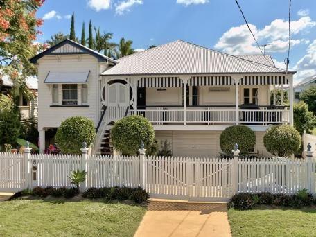 railings, discreet garage and gates