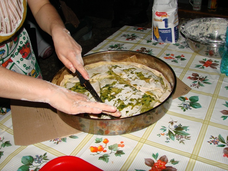 delicious traditional armân/aromanian/vlach dish : pita (pie with leek)