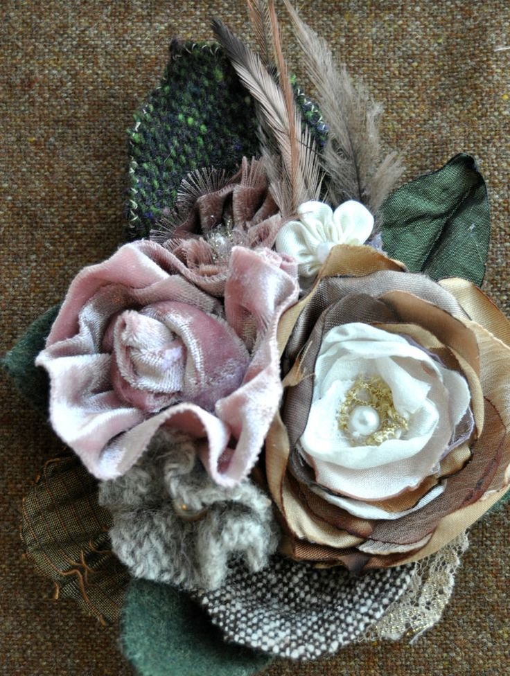 cream dusky pink lace flower brooch coat pin corsage vintage 1940 1950 velvet L