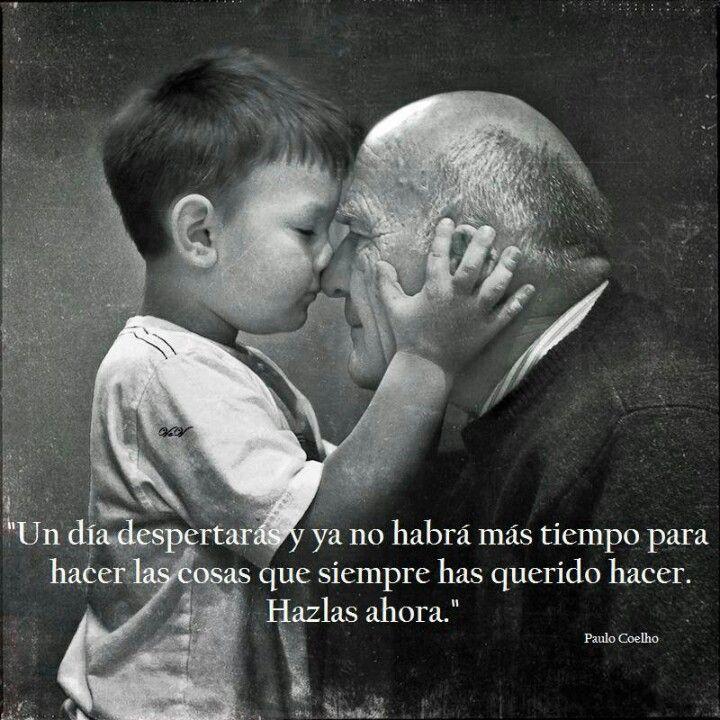 Paulo Coelho.  Carpe Diem.  ¡Precioso para Español 3!  Present perfect, affirmative tú commands, future tense.