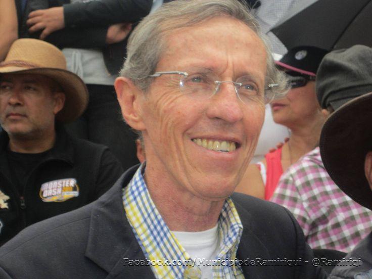 Antonio Navarro disfrutando del XIV Festival del Sorbo y la Arepa.