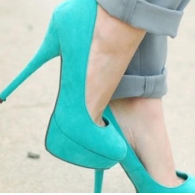 : Bright Color, Tiffany Blue, Than, Styles, Pumps, Weddings Shoes, Teal Heels, Blue Heels, High Heels