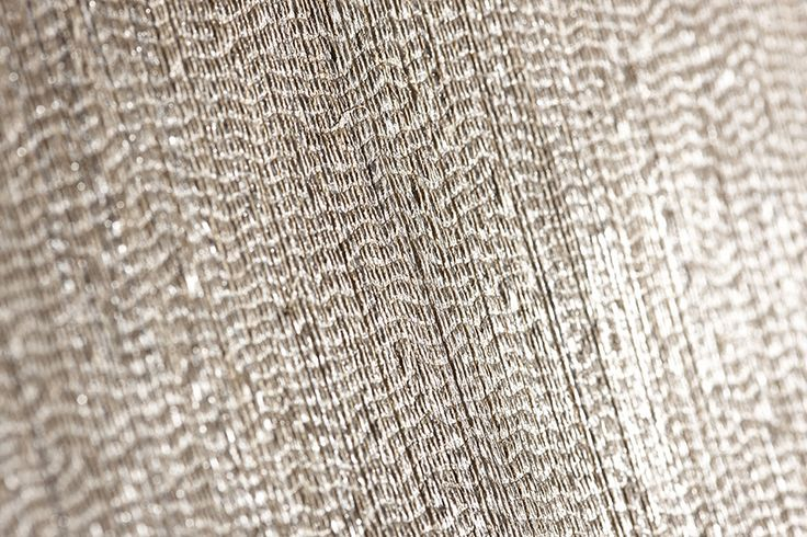 Inspired by the natural qualities of straw and the stylistic simplicity of Japanese culture, the numerous variants in mixed linen and natural fibres are available in a broad range of solid colours