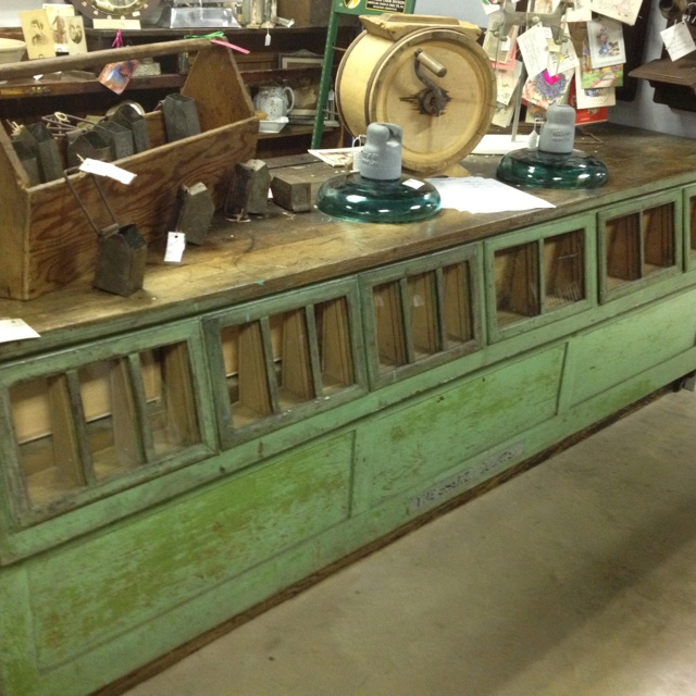 Furniture Stunning Display Of Wood Grain In A: Old Grain Display Counter