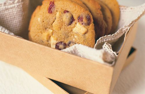 #Fairtrade white chocolate and cranberry cookies recipe. Yum! www.ampleearth.com