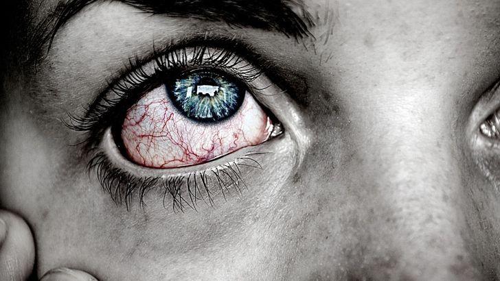 10 bylinek napodrážděné azanícené oči