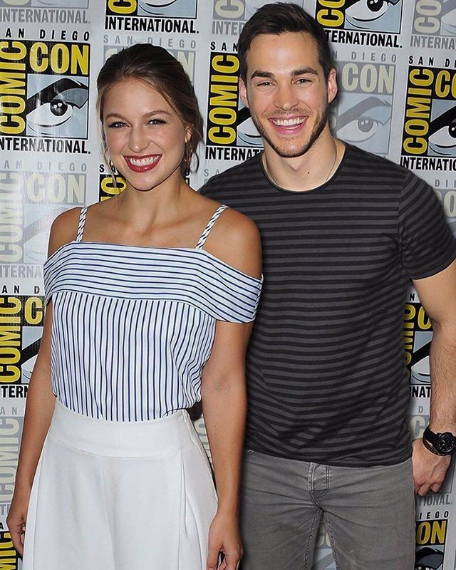 Kara (Melissa Benoist) and Mon-el (Chris Wood) #SUPERGIRL
