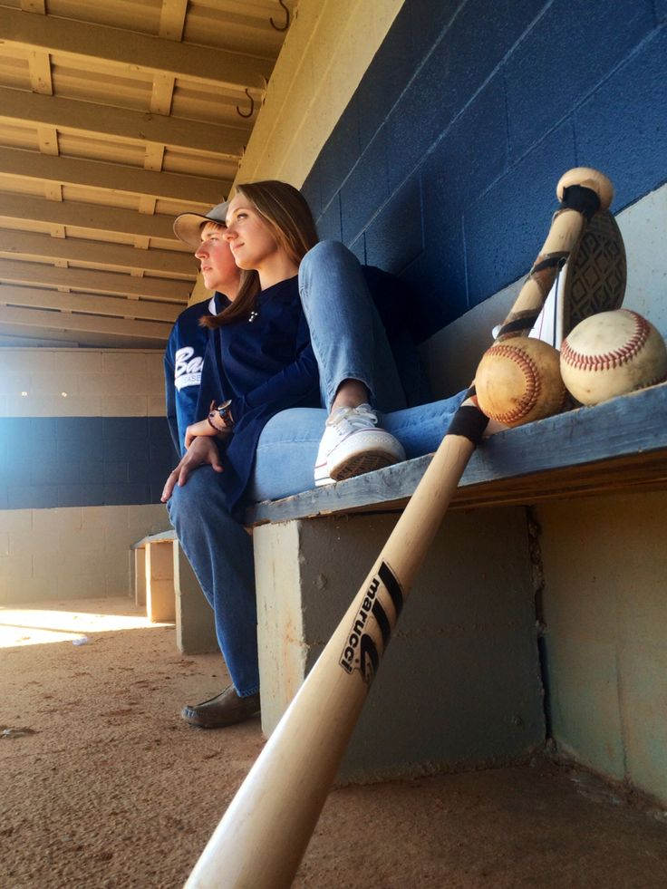 Senior Pictures | Baker Baseball | ideas with girlfriend ⚾️