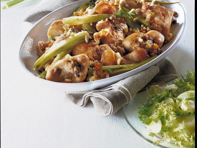 Coniglio con finocchi (salsiccia, pinoli) : Scopri come preparare questa deliziosa ricetta. Facile, gustosa e adatta ad ogni occasione. Questo secondo ha un tempo di preparazione di 1 ora 15 minuti.